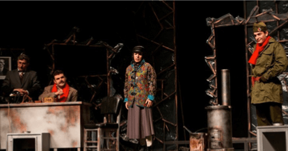 """Image of an act from the play """"Buzlar Çözülmeden"""" performed at Antalya State Theater"""